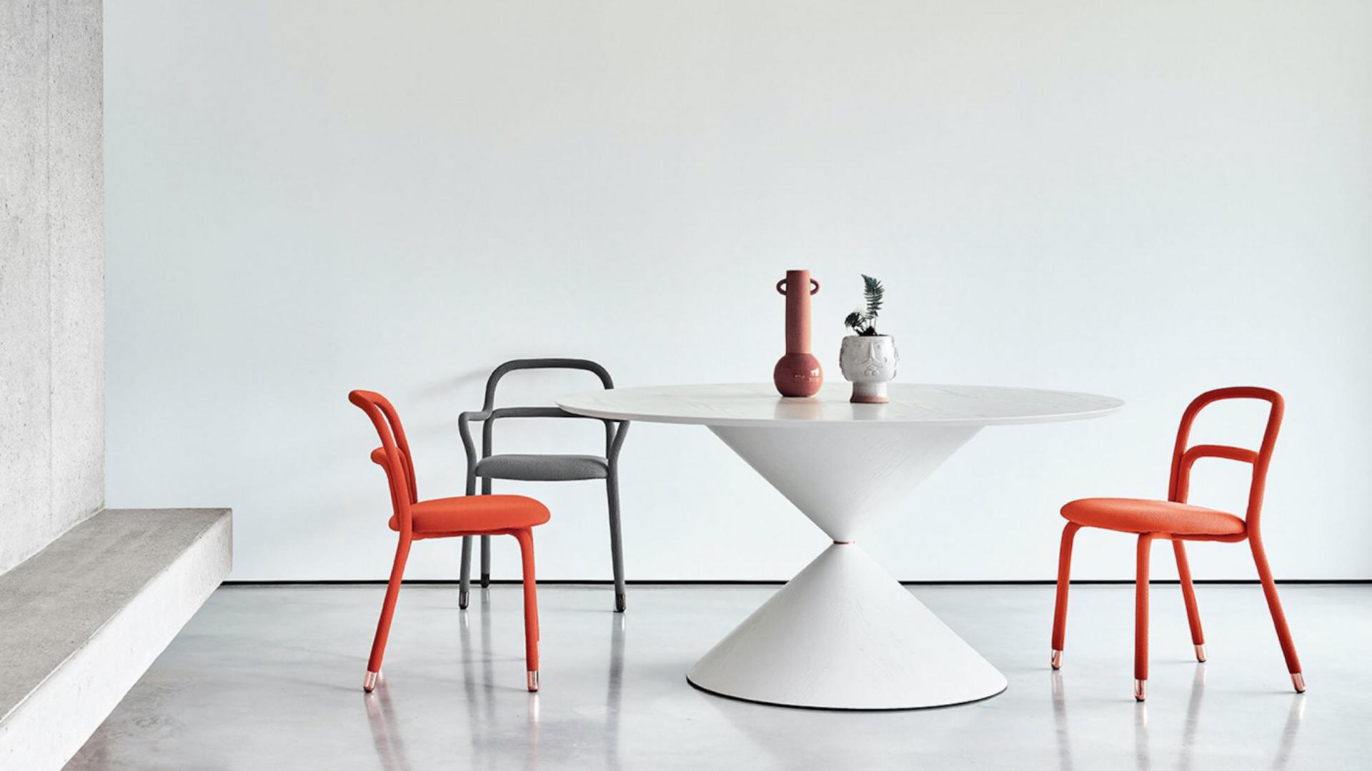 Pack de mesa y sillas a la venta en nuestra tienda de decoración en Málaga